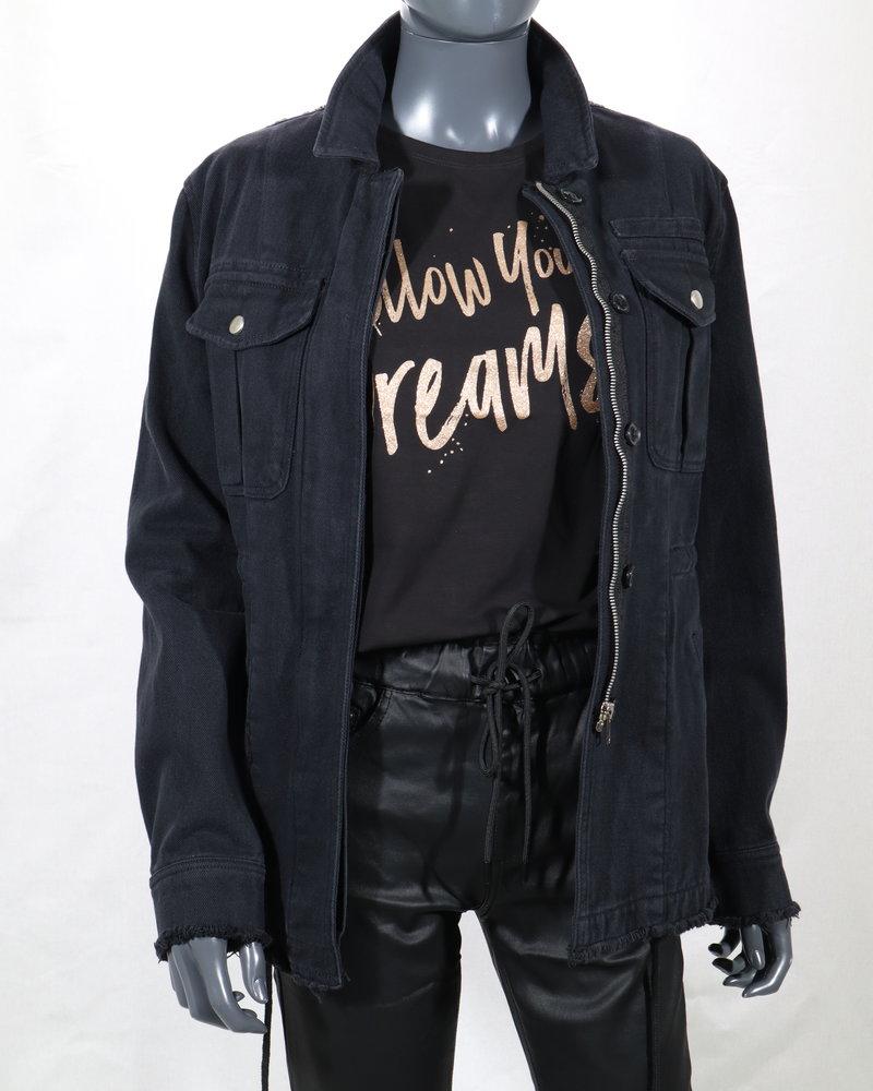 T-shirt (follow your dreams)