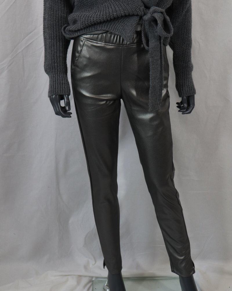Leatherlook broek grijs
