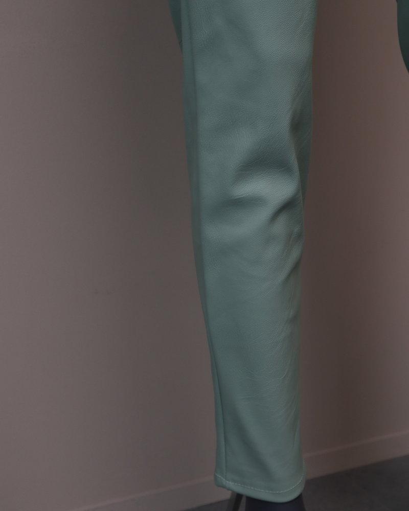 Fake leather broek mintgroen