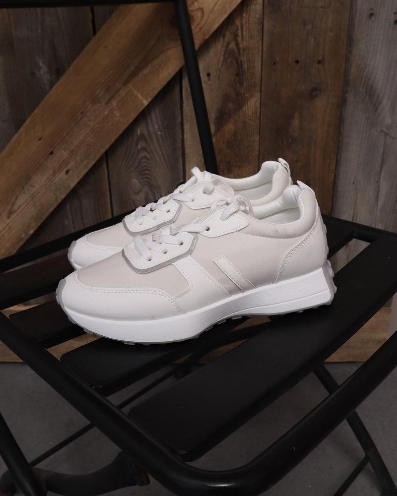 Sneaker sporty wit