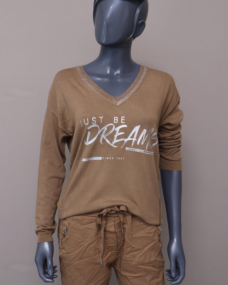 """Trui """"Just be dreams"""" camel"""