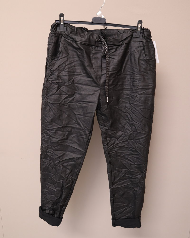 PU Leather comfi broek zwart PLUS