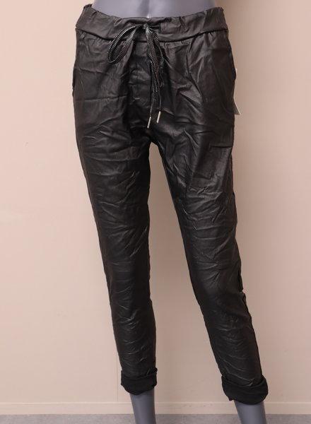 Comfi broek leatherlook zwart