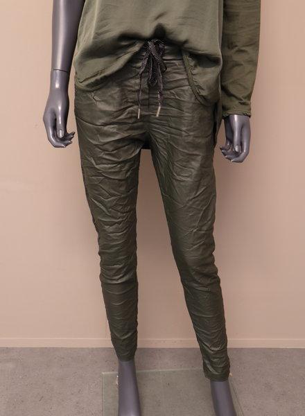 Comfi broek leatherlook army