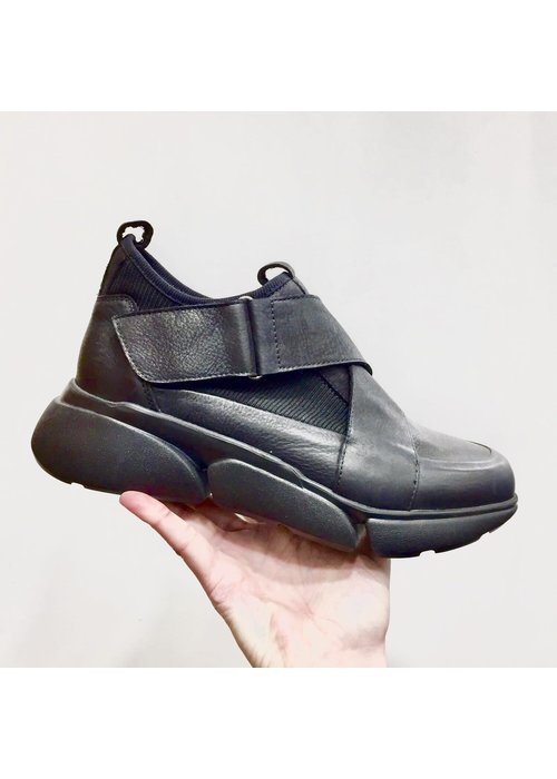 LOFINA Lofina Stretch Knit Velcro Shoes