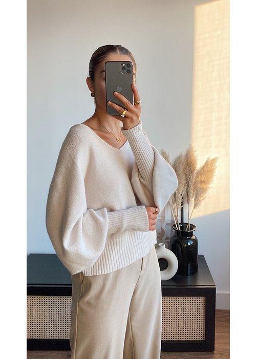 CHARLI Charli Cropped Siena Sweater