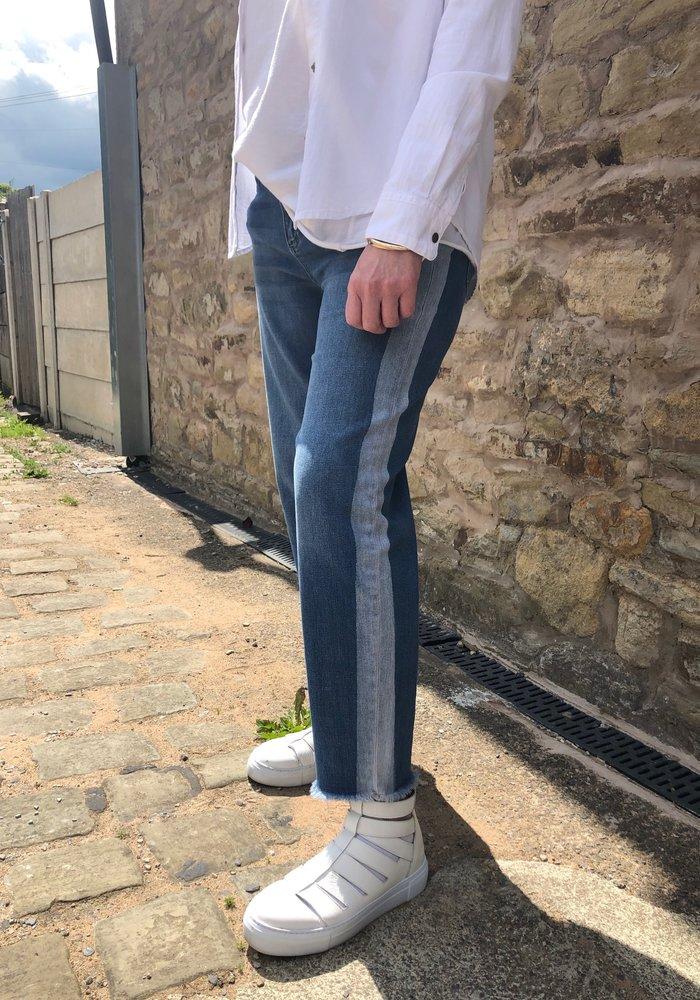 Five Wide Crop Frayed Hem Jeans