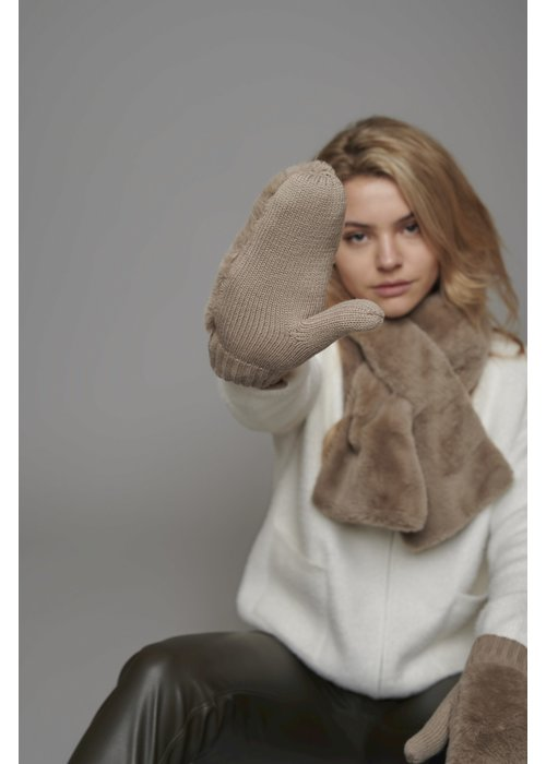 RINO & PELLE Rino & Pelle Oxo Faux Fur Gloves