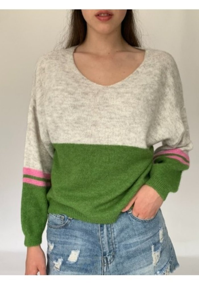 N and Willow Combo V Neck Knit