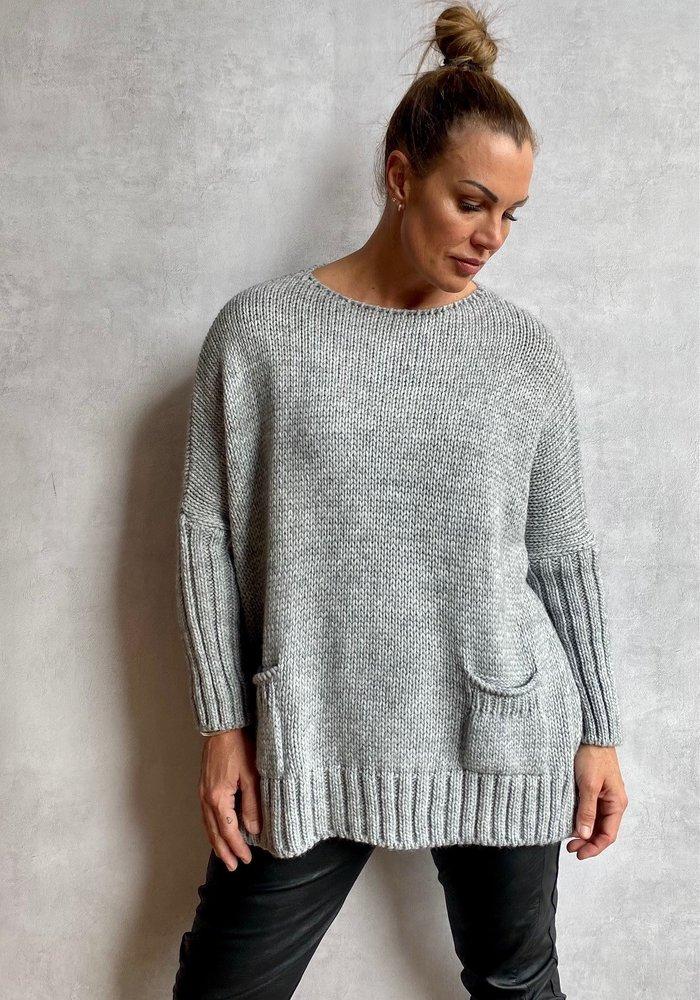 Suzy D Filipa Chunky Pocket Knit
