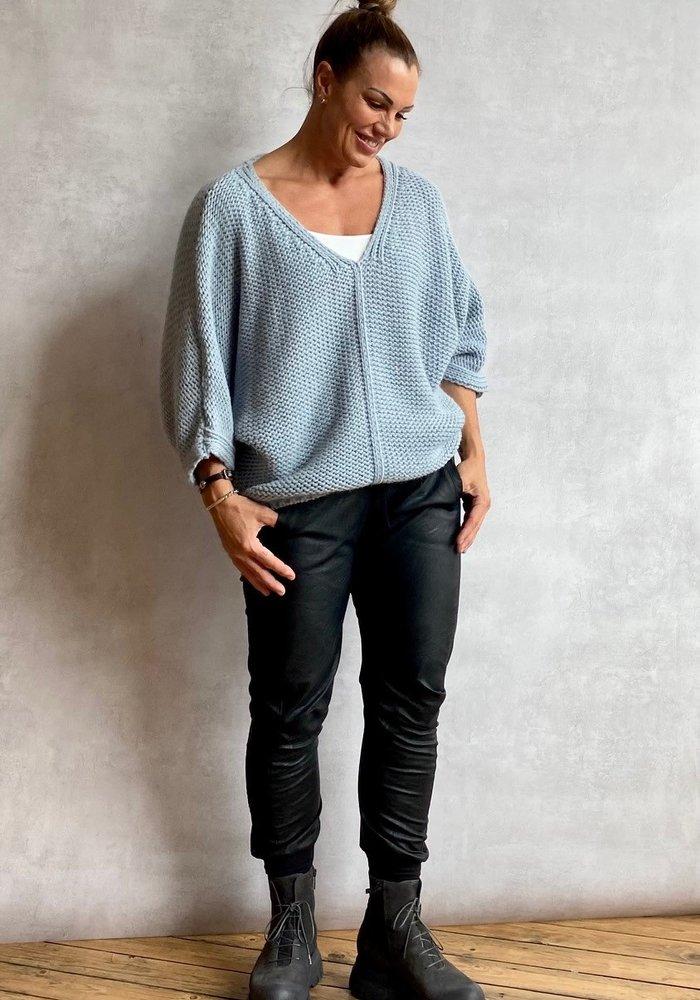 Suzy D Fanya Chunky V Neck Knit