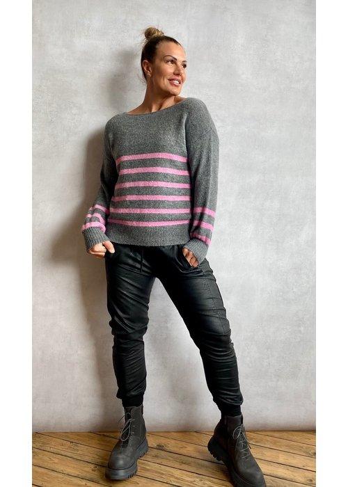 SUZY D Suzy D Fairly Soft Knit Sweater