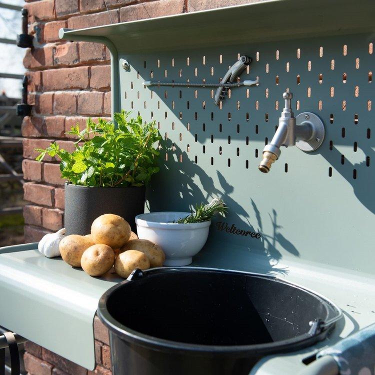 Weltevree Waterworks. De buitenbijkeuken van Weltevree