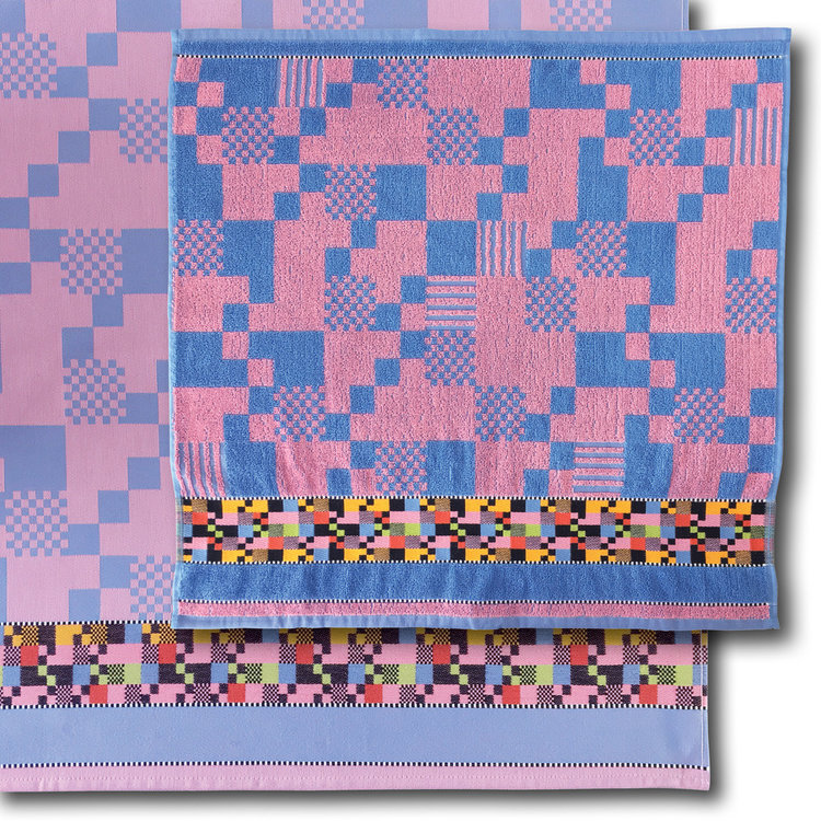 Mariëtte Wolbert Soft Square pink - Handdoek 60 x 60 cm