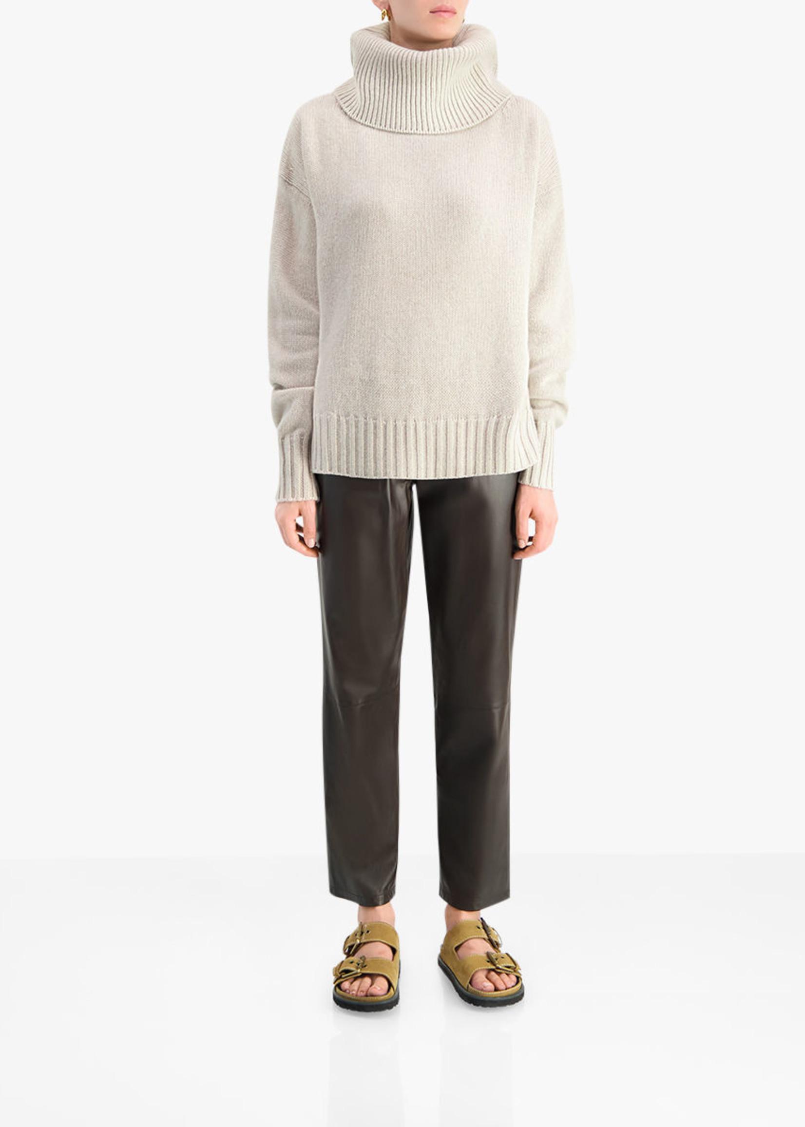 lisa yang Lisa yang cashmere lucca sweater Cream
