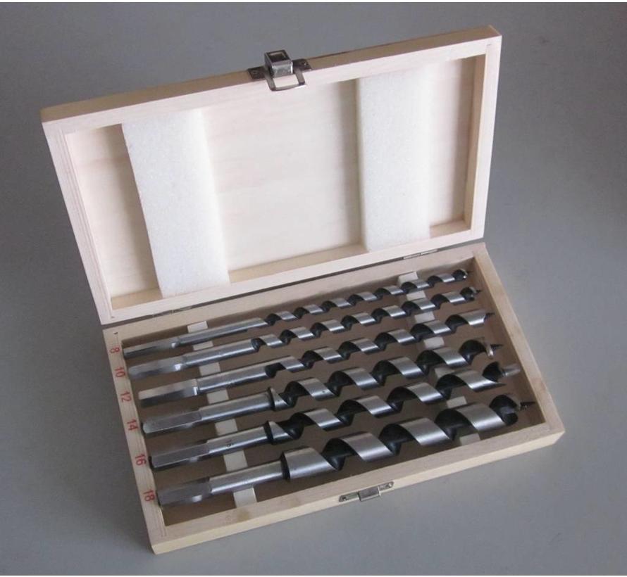 Stevige houten cassette met 6 maten Azobé slangenboren