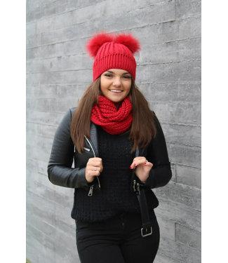 Rode muts en sjaal