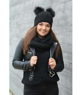 Zwarte muts en sjaal