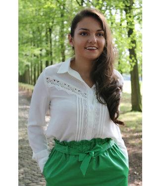 Witte blouse met gecrocheerde kant