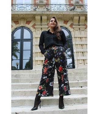 Zwarte blouse met gecrocheerde kant