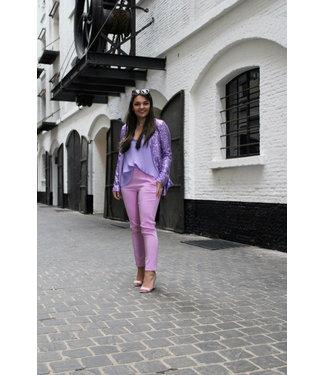 Licht roze geklede broek
