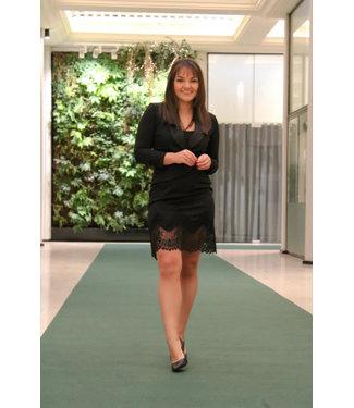 Zwarte klassieke jurk