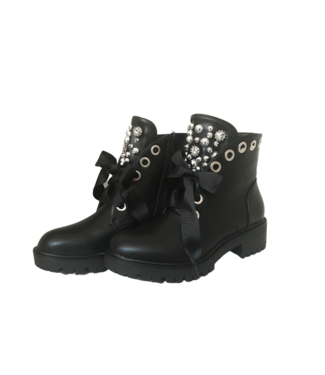 Black boots - Front silver studs