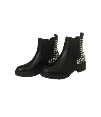 Black boots - Silver studs