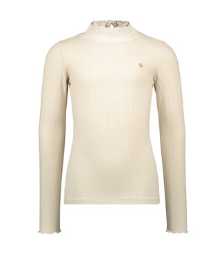 Off-white turtle neck t-shirt with lace
