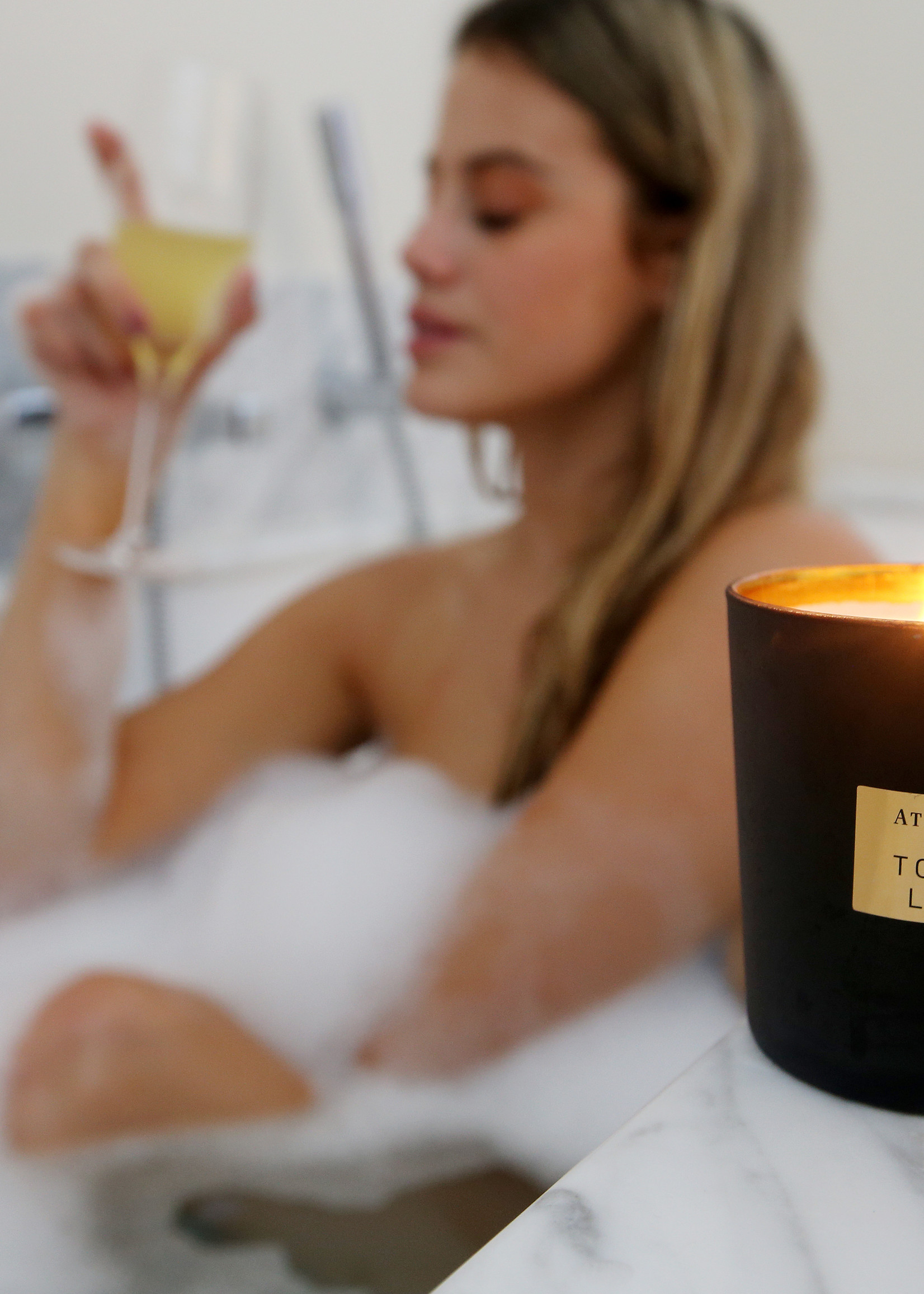 Atelier Rebul Tobacco Leaves Scented Candle 210 gr