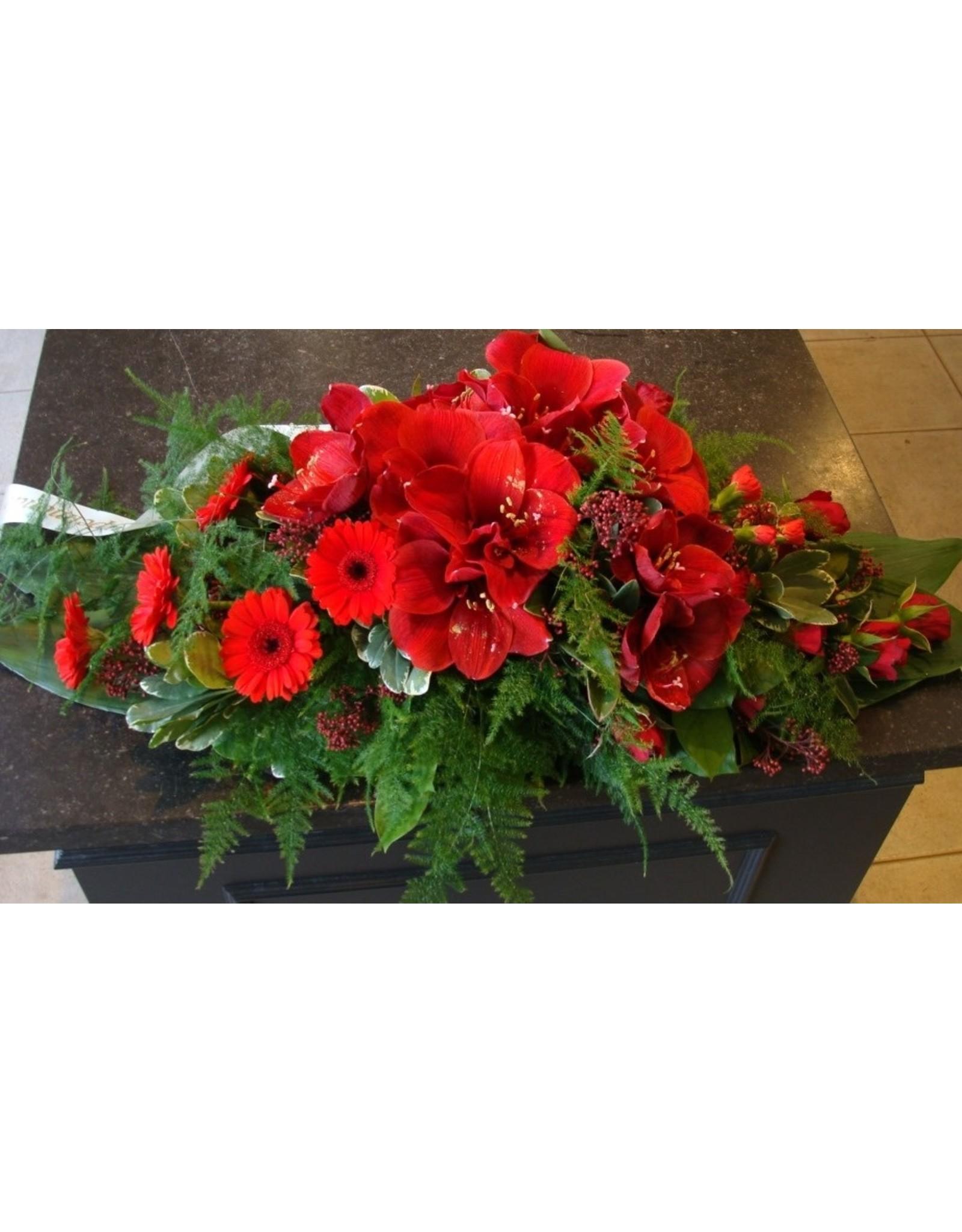 Compact bloemstuk met amaryllis