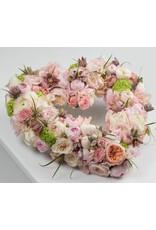 open hart volledig uitgewerkt met veel en fijne bloemen in kleur naar keuze