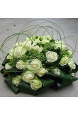 ronde biedermeier met rozen in kleur naar keuze