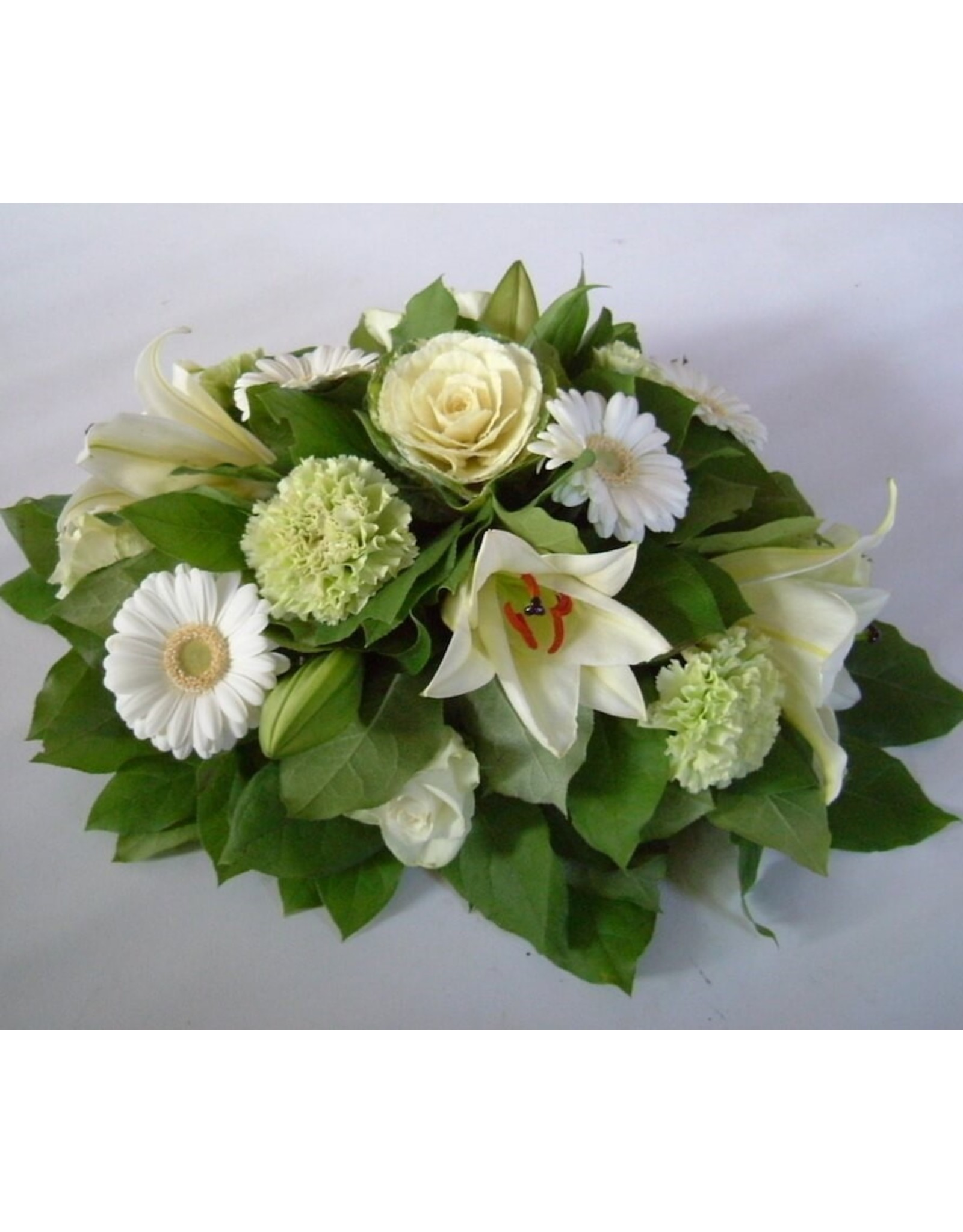 Klein bloemstuk met lelie