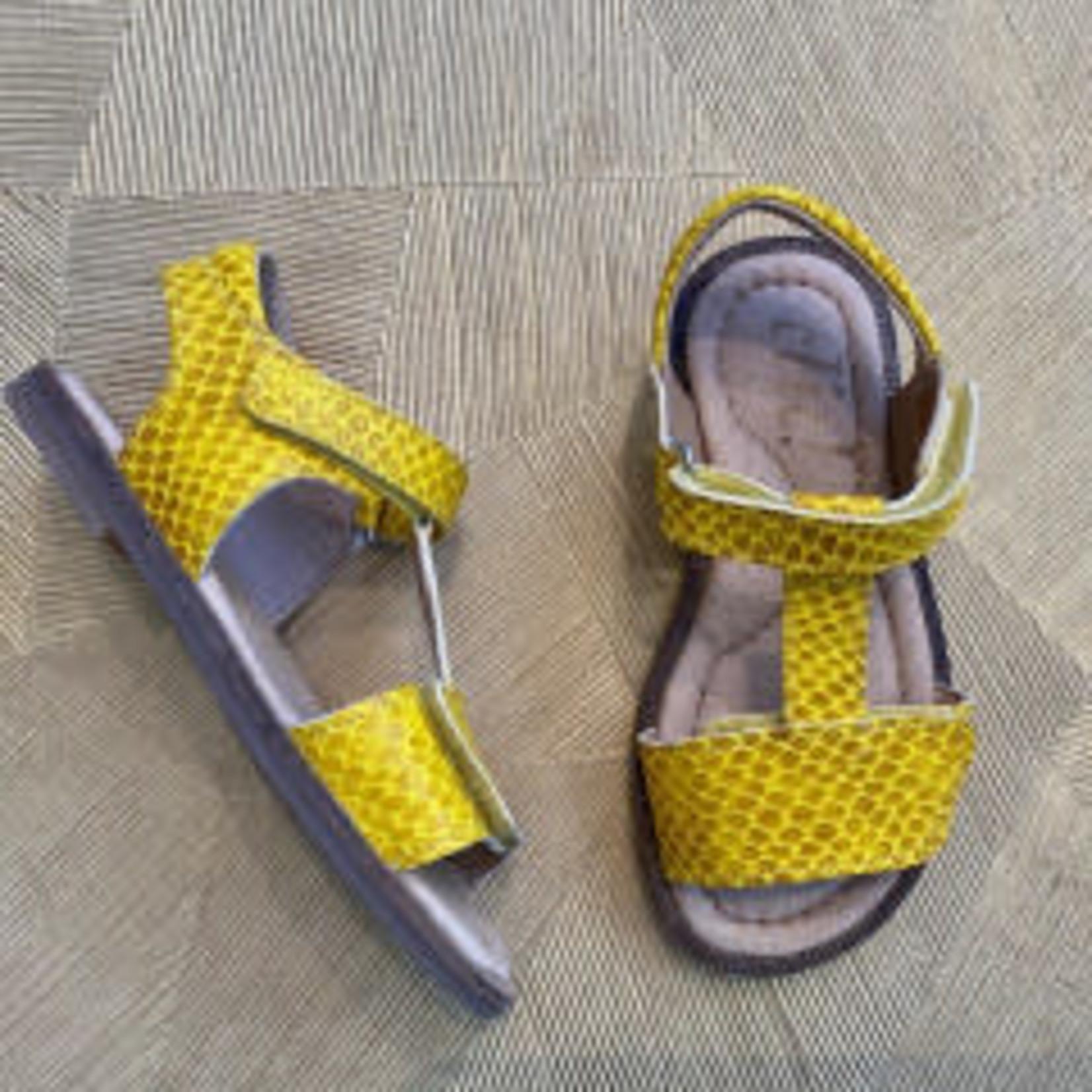 CLIC CLIC  t-band sandaal  GEEL