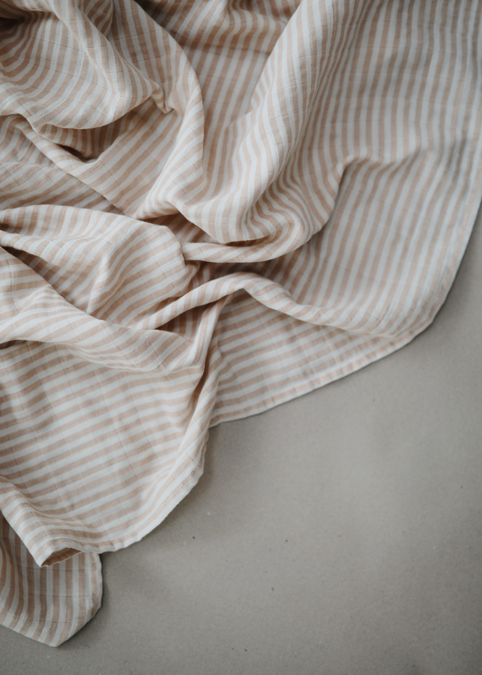 Mushie Muslin Swaddle Blanket Organic Cotton - Natural Stripes