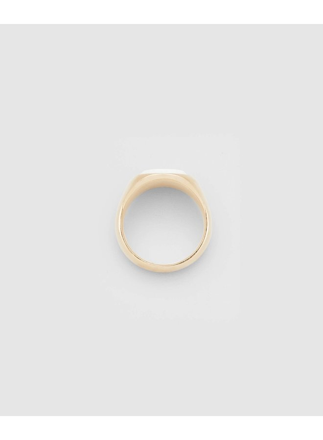 Oval Gold White Agate Ring