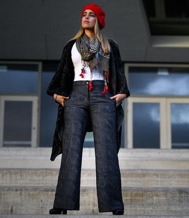 Akaaro Black pants from wild silk