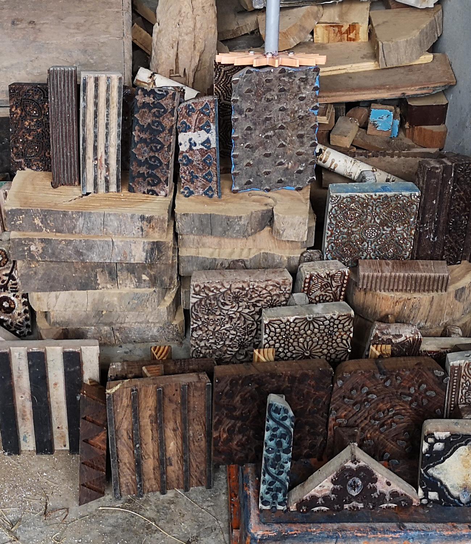 Blokken voor blockprinten: houten stepmpels handmatig uitgesneden