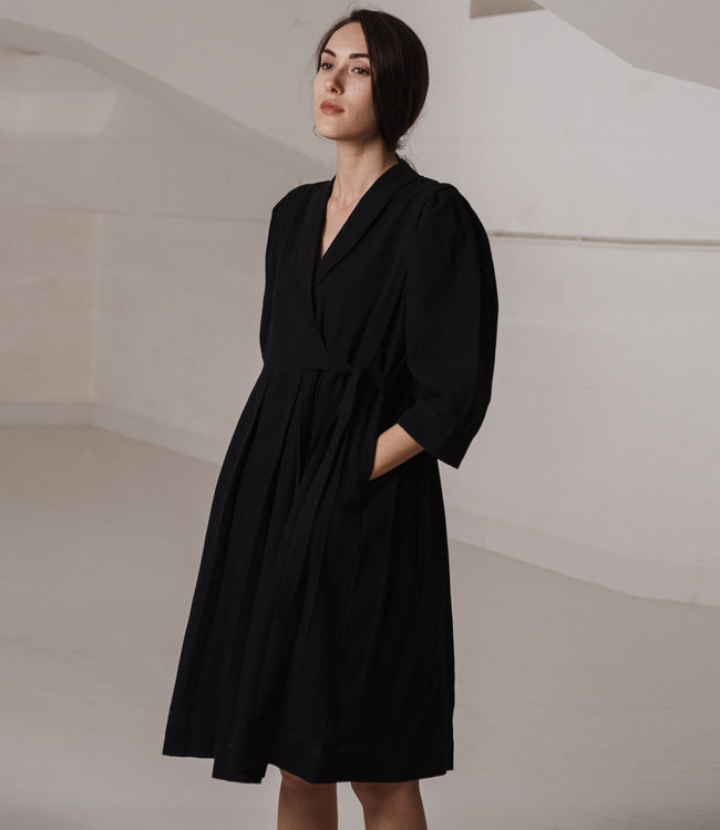 Crow Zwarte jurk driekwart mouw