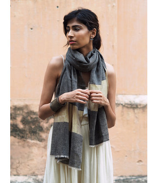 HOWS Pashmina scarf black with gold