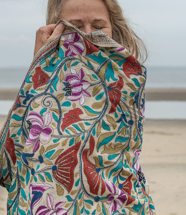 HOWS Shawl embroidery on wild silk