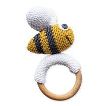 Crochet toy bij met houten bijtring