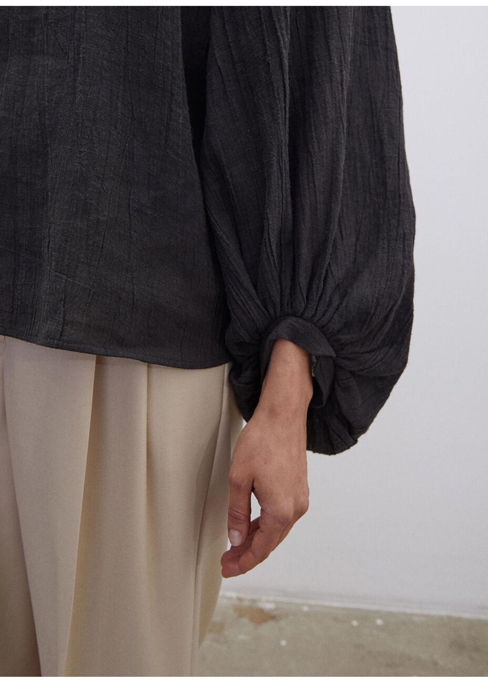Malene Birger Dausie balloon sleeved top black