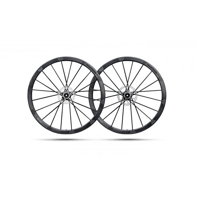 Lightweight Pfadfinder Evo Tubeless Wheelset
