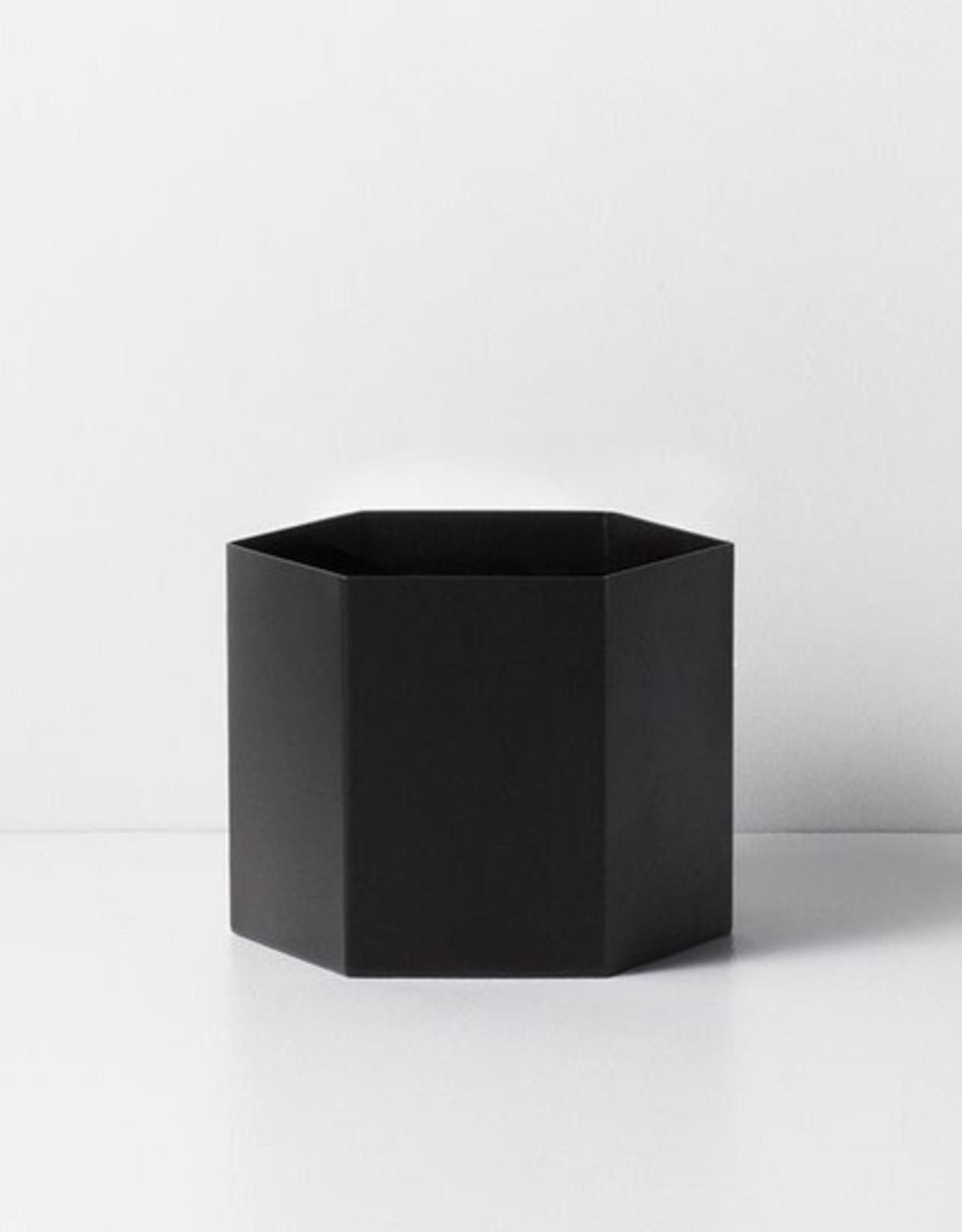 Ferm Living Ferm Living Hexagon Pot Large zwart