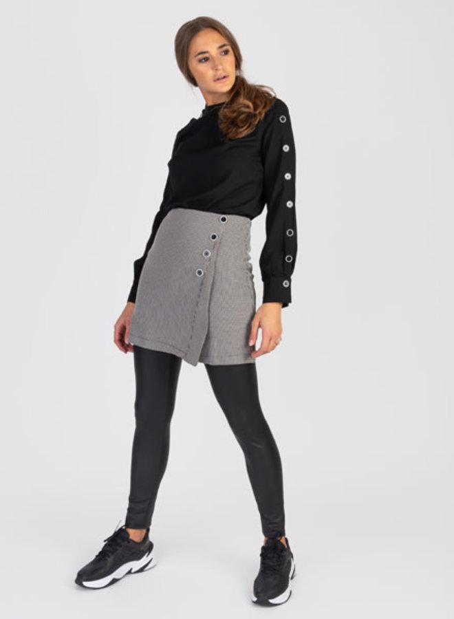 Skirt buttons
