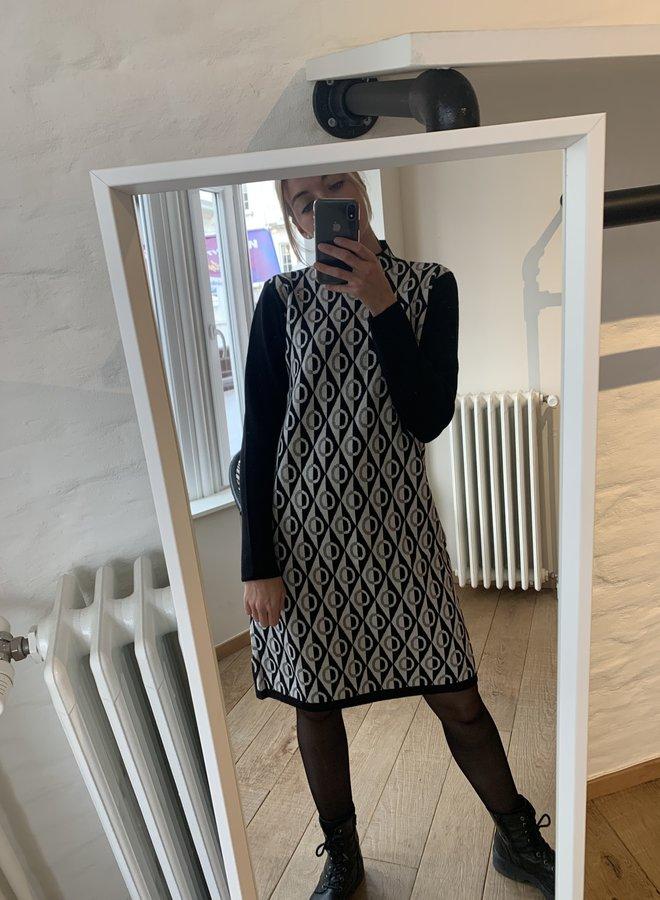 Dress print spark