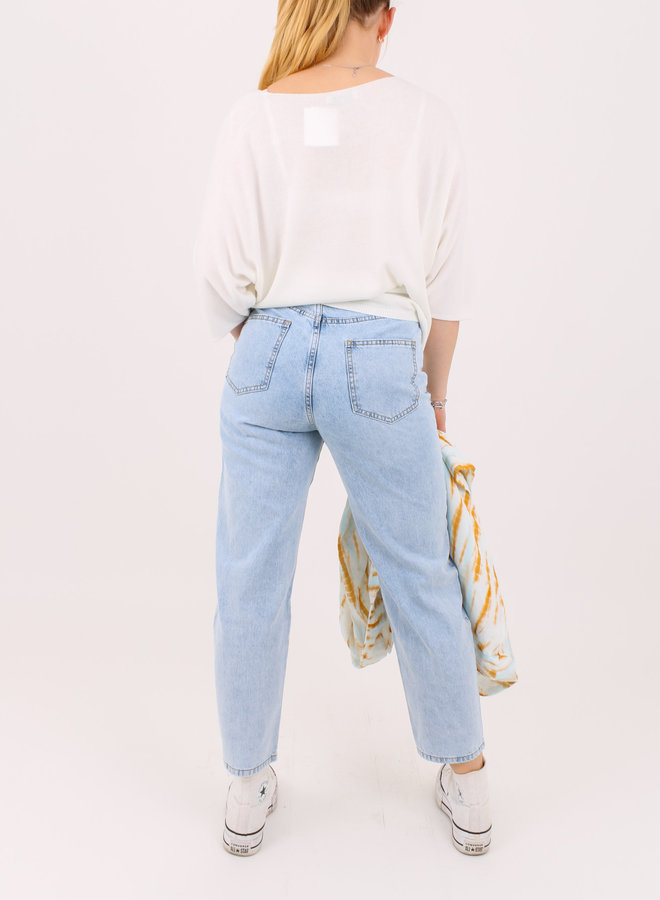 Ripped jeans mom fit