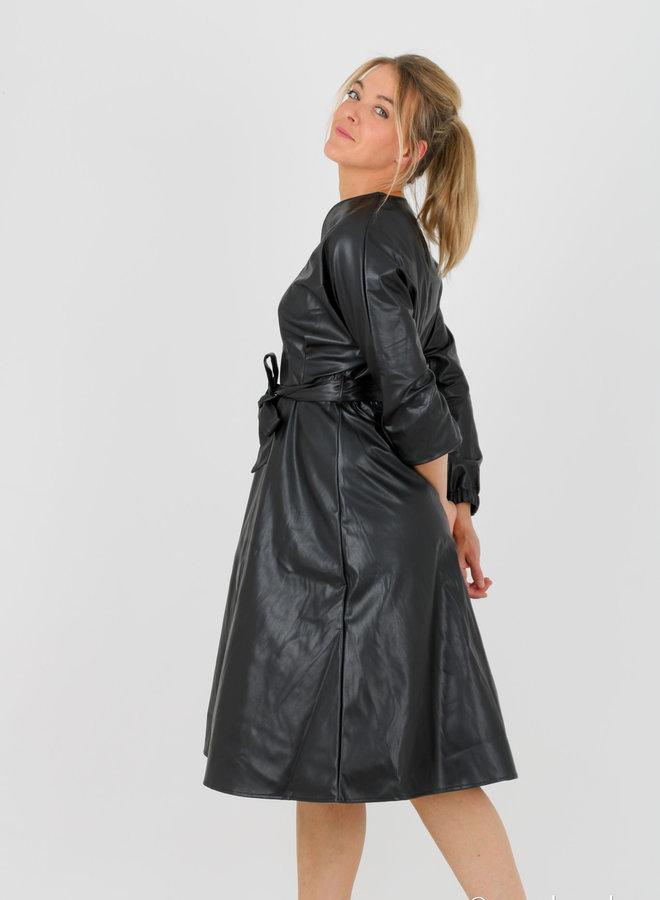 Faux leather dress belt